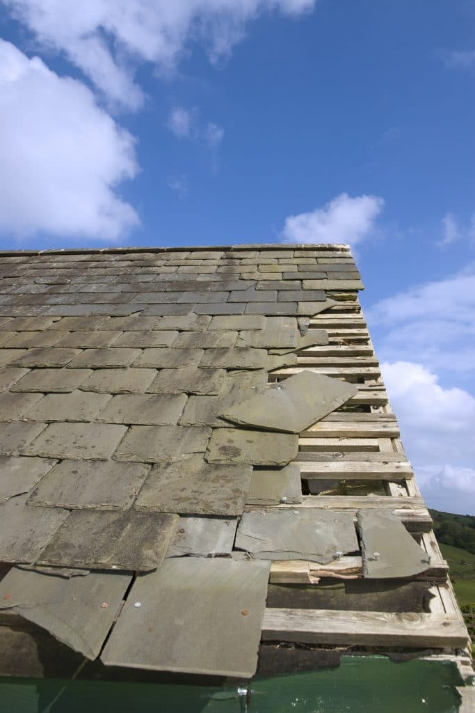 damaged roof edge